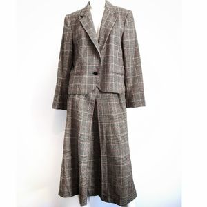 Vintage houndstooth skirt suit